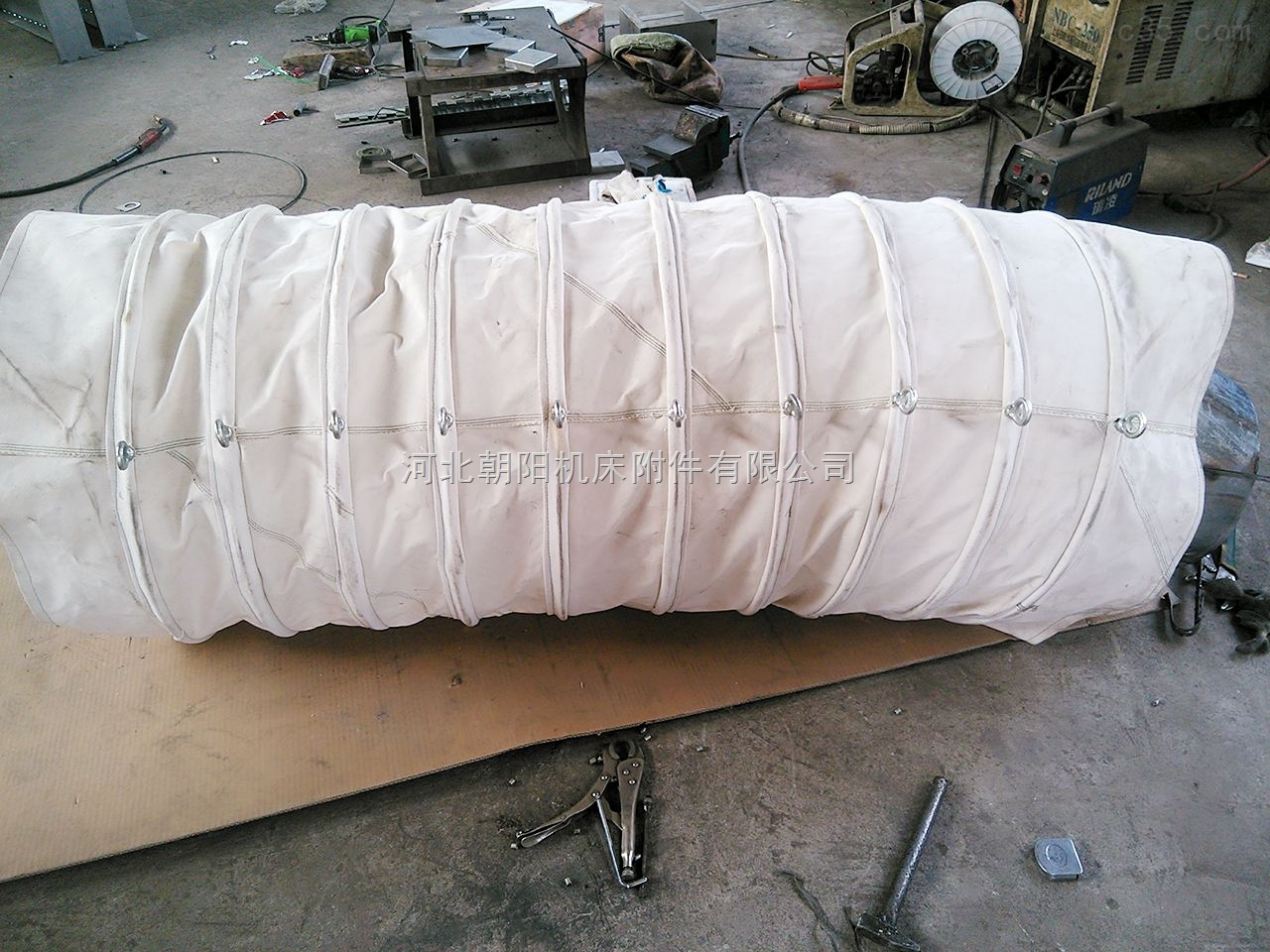 专业生产齐全带吊环式帆布丝杠防护罩